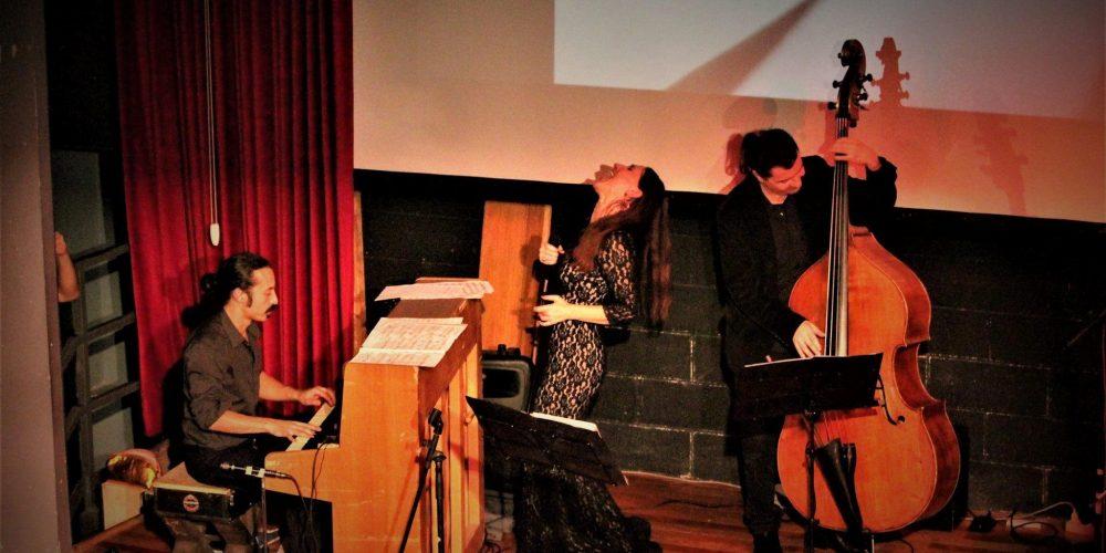 Francesca De Mori Trio Giovedì 5 gennaio 2017 h 21.30